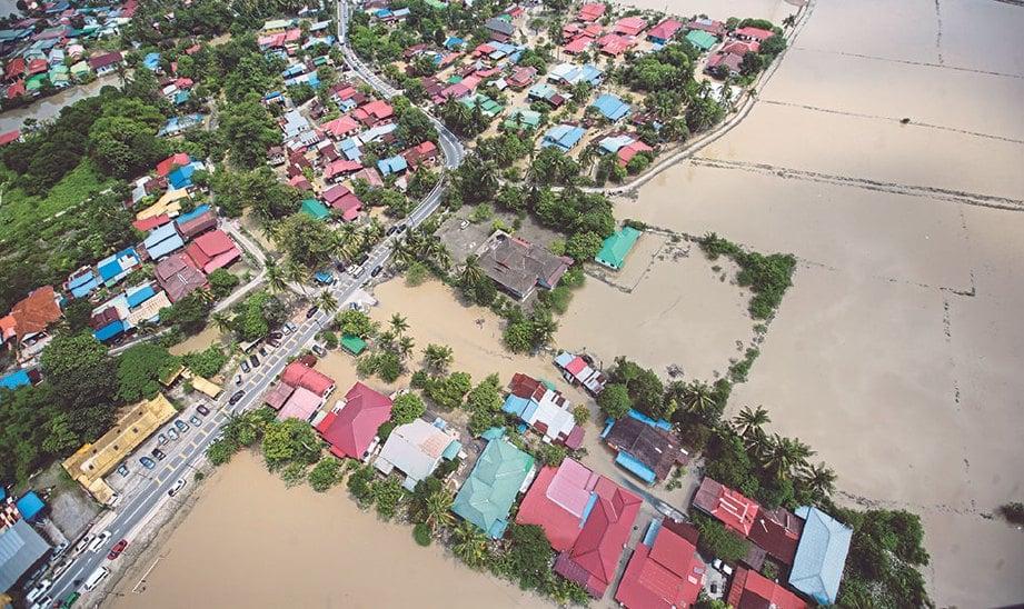 BANJIR yang melanda Pulau Pinang dan beberapa negari lain sejak minggu lalu.