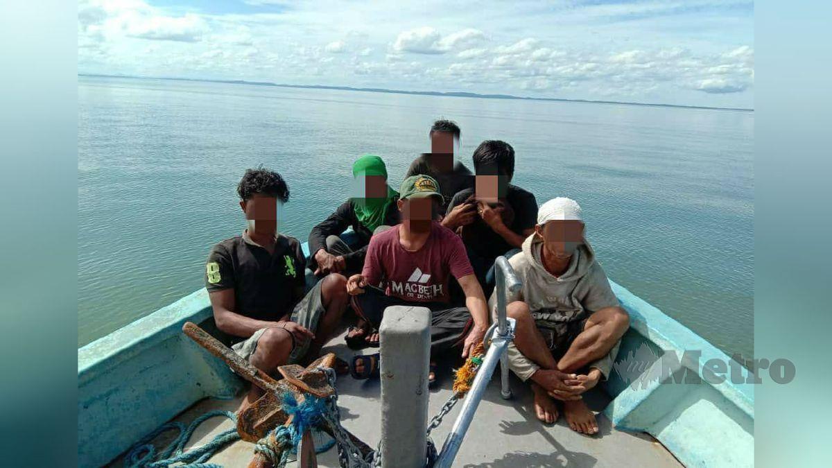 ENAM PATI yang diberkas kerana menyeludup rokok dengan seorang suspek positif Covid-19. FOTO ihsan Maritim Malaysia