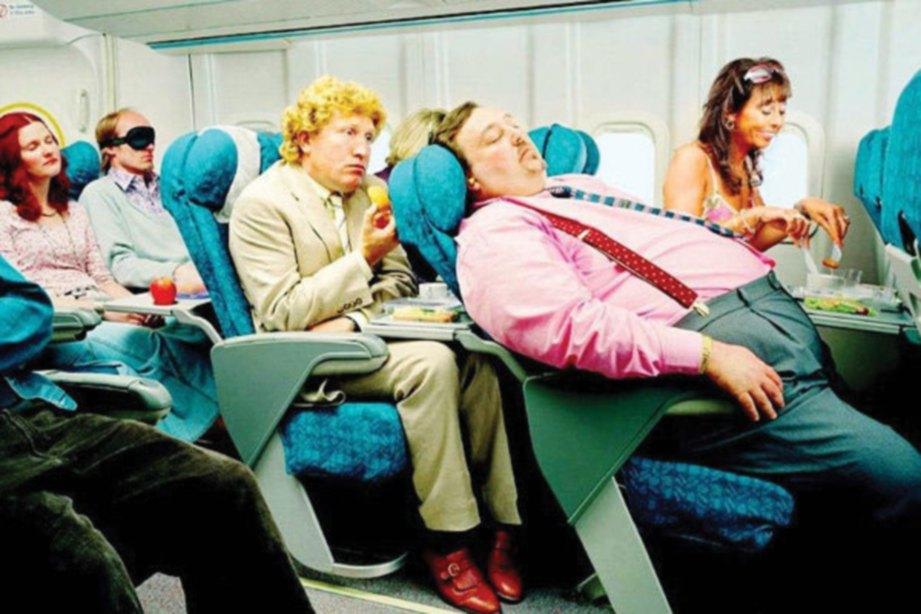 TOLAK ansur dengan penumpang lain juga penting.
