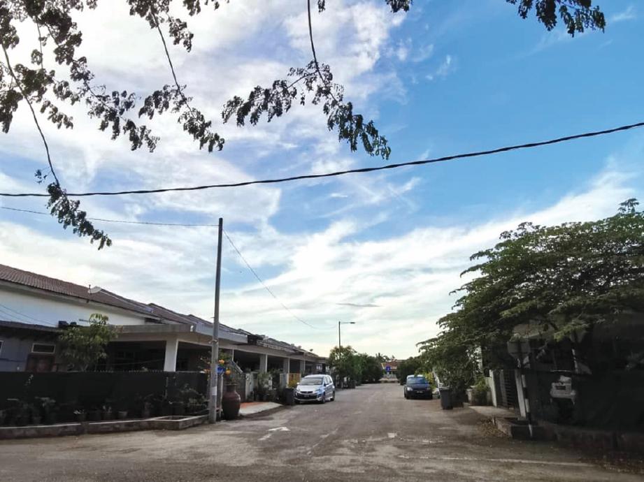 KAWASAN perumahan Taman Pandan Pertama 1, Kuantan, Pahang.