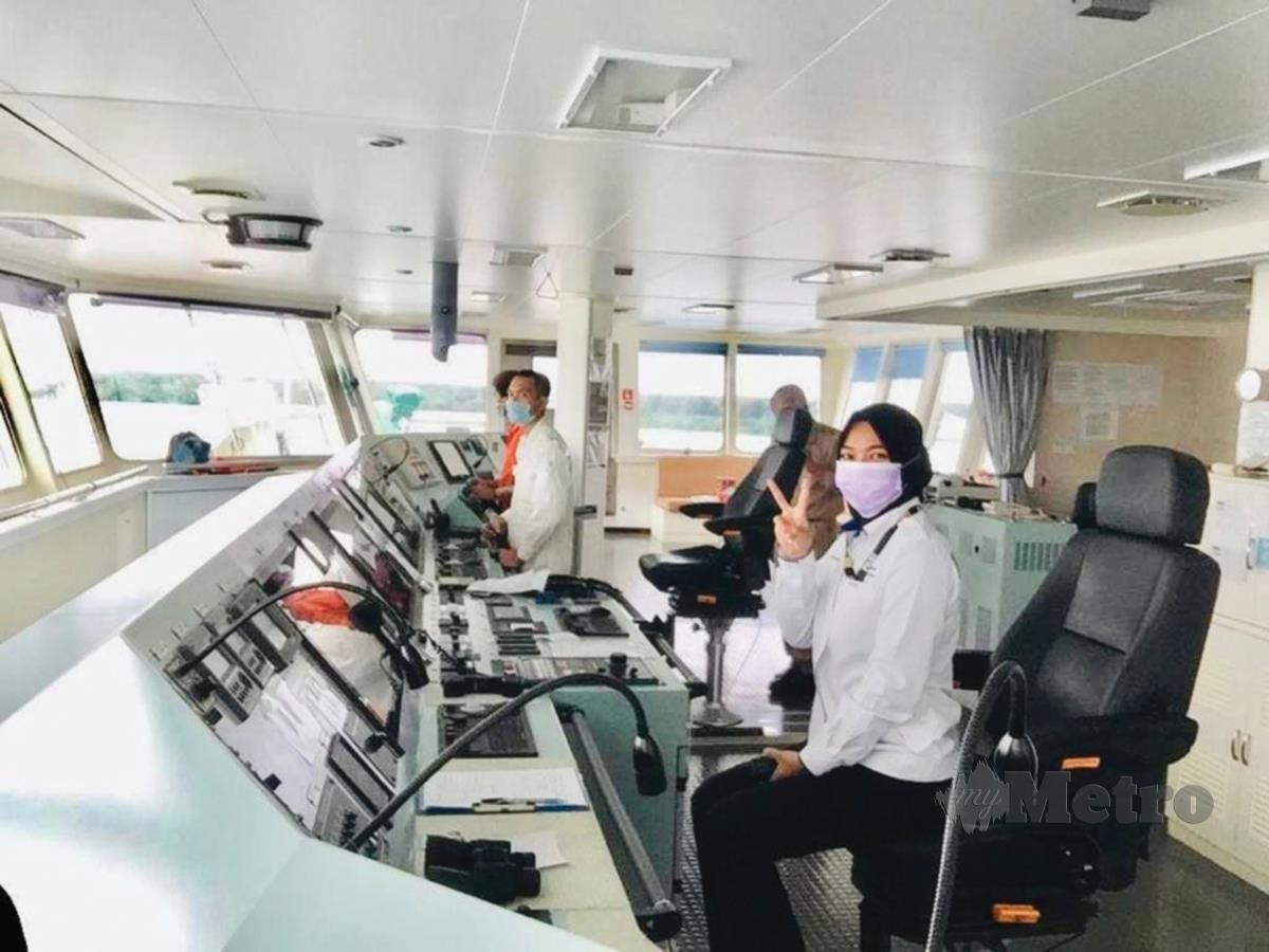 TUGAS dan peranan malim pelabuhan adalah untuk mengemudi serta memastikan  kapal keluar masuk pelabuhan dengan selamat.