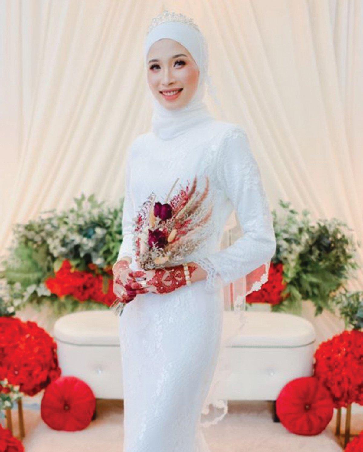 CUKUP menonjol sebagai aksesori pengantin.