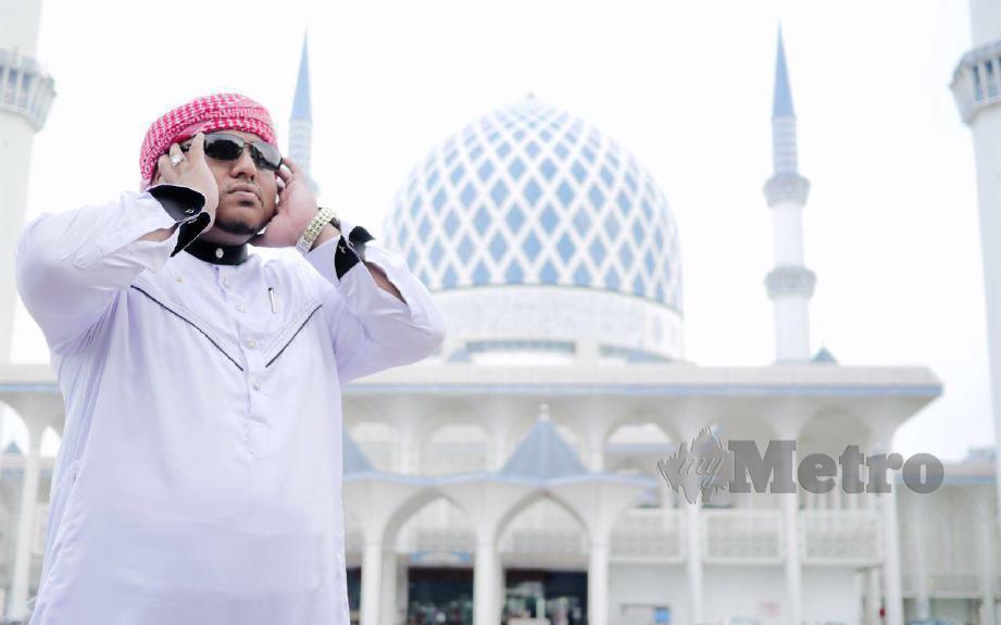 Hazizul yang juga bilal Masjid Sultan Salahuddin Abdul Aziz Shah, Shah Alam. FOTO Ihsan Hazizul Masdin