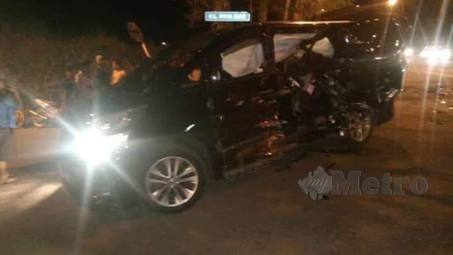 KEADAAN kemalangan yang mengorbankan anggota polis dan seorang kanak-kanak di Simpang Renggam. FOTO Ihsan Bomba
