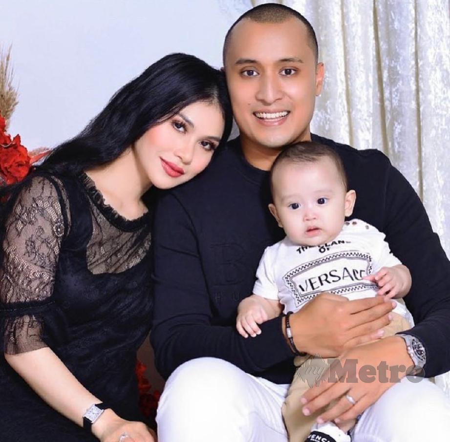 ANZALNA bersama suami dan anaknya. FOTO Instagram