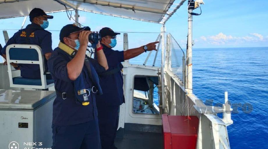 Rondaan Maritim Malaysia bagi memastikan perairan Terengganu bebas daripada pencerobohan nelayan Vietnam dan kegiatan jenayah lain pada musim perayaan. FOTO APMM