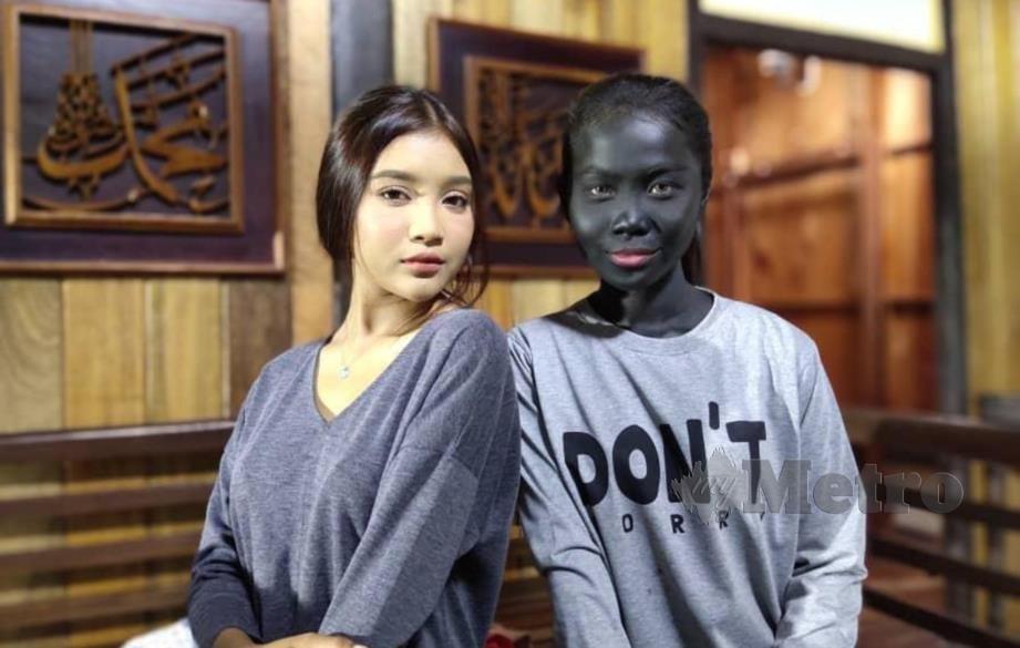 Wany Kayrie (kanan) membawa watak Dayang Senandung.