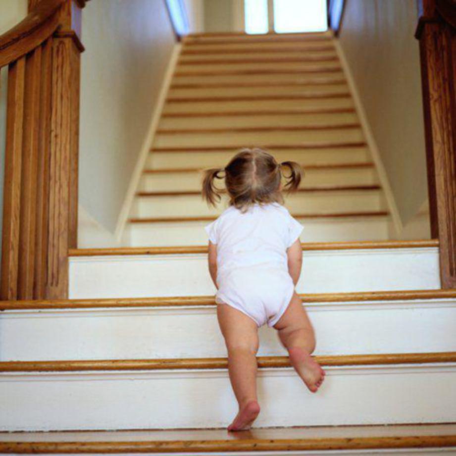 IBU bapa meninggalkan anak mereka seketika antara kebanyakan kecuaian dilakukan menyebabkan anak jatuh.