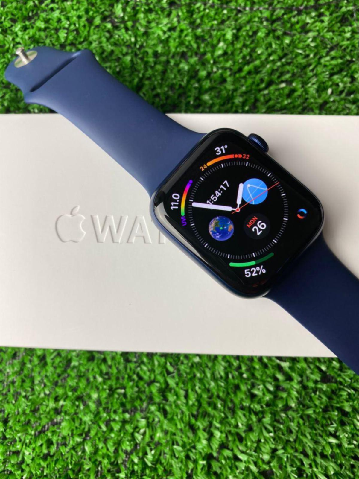 APPLE Watch Series 6 didatangkan dengan kefungsian sensor baharu untuk menyemak kadar oksigen dalam darah termasuk beberapa ciri khusus kepada pengguna.