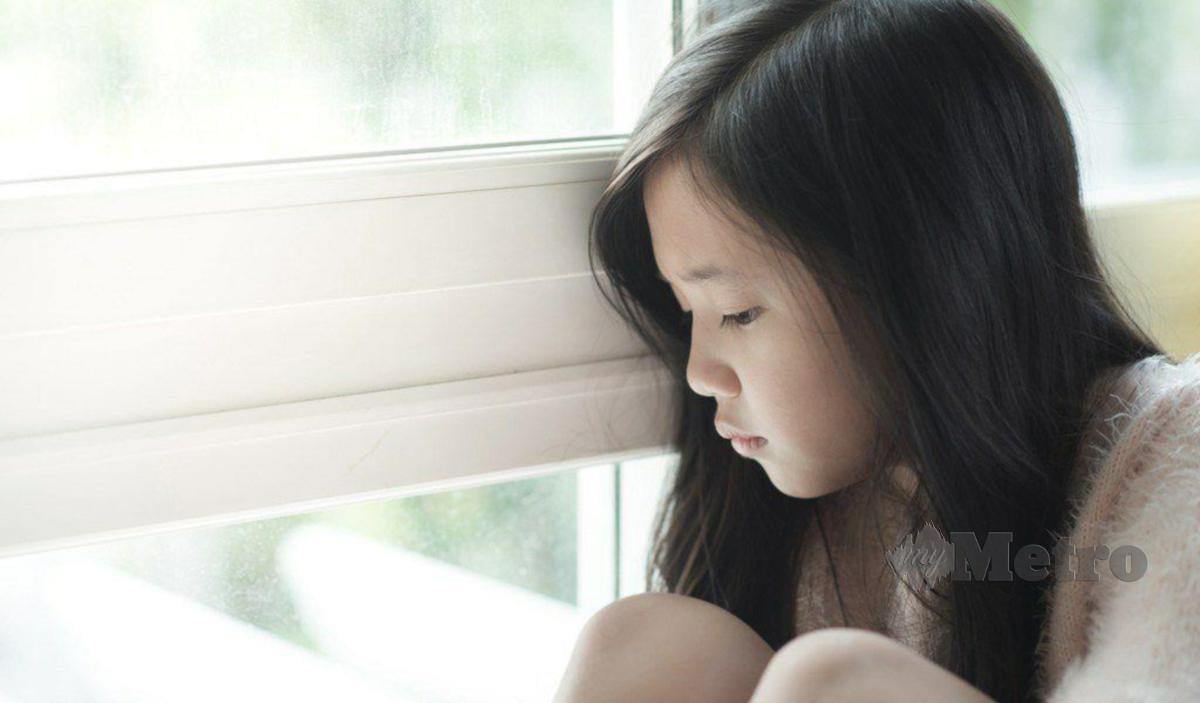 KHADIJAH menyifatkan ramai ibu bapa mempunyai anak bakat istimewa sibuk mengaut keuntungan hasil kepandaian anak.