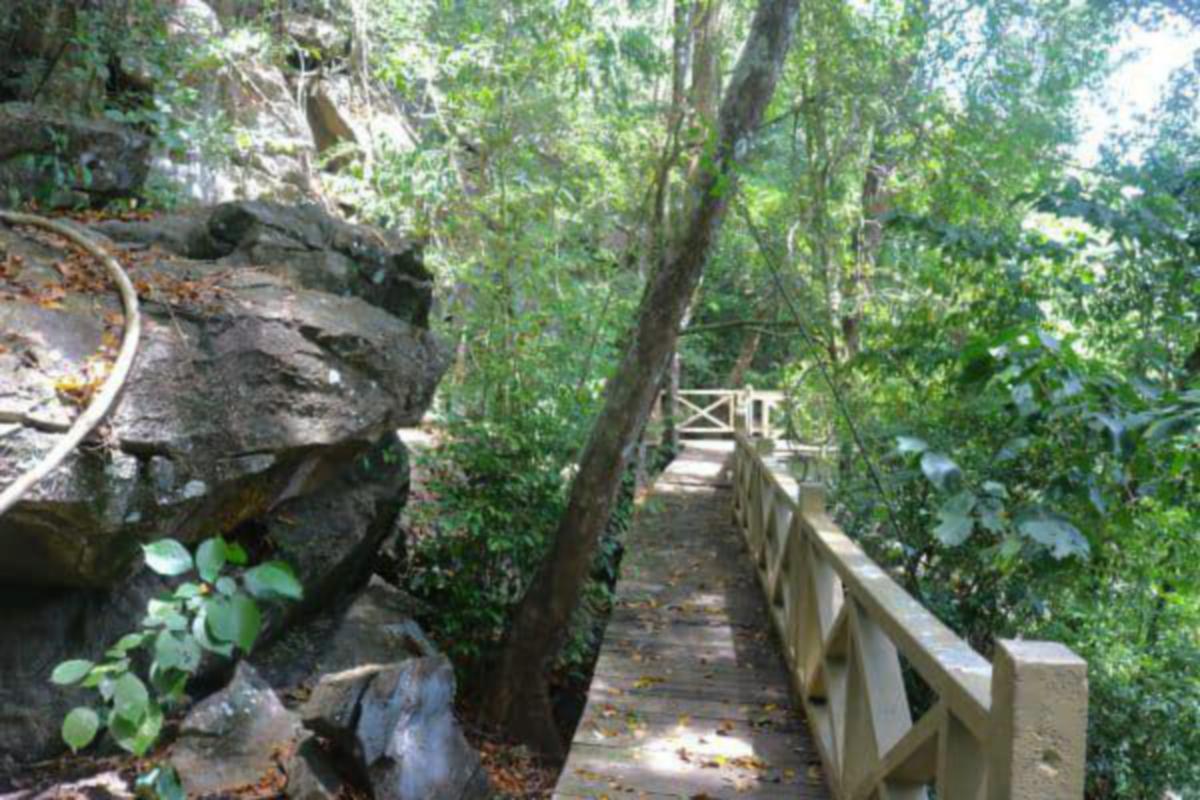 ALAM semula jadi antara menarik boleh dinikmati pengunjung.