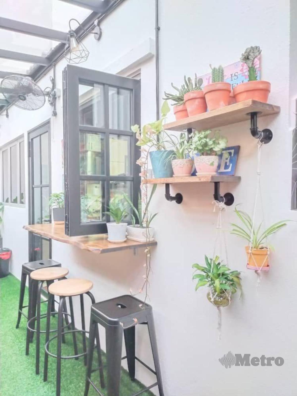 TURUT seimbangkan dengan elemen malar hijau membuatkan ruang lebih 'organik' untuk bersantai.