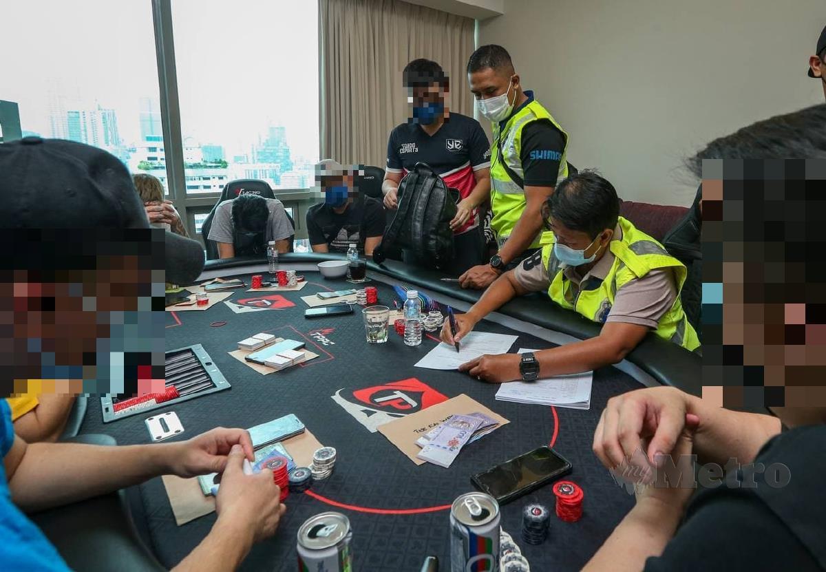 SERBUAN perjudian mini kasino di sebuah kediaman residensi di Kuala Lumpur FOTO Aziah Azmee
