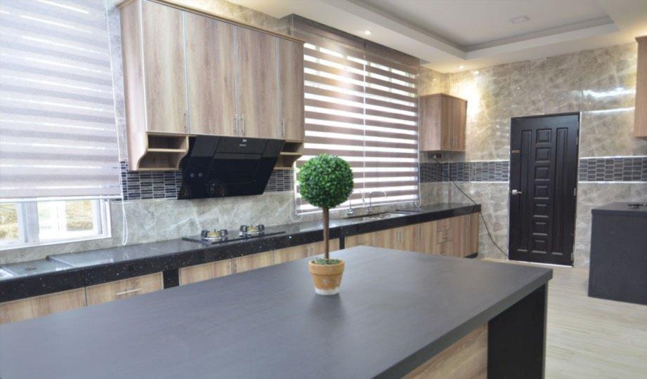 Konsep Moden Kontemporari Dengan Pilihan Warna Tanah Turut Tengahkan Pada Ruang Dapur