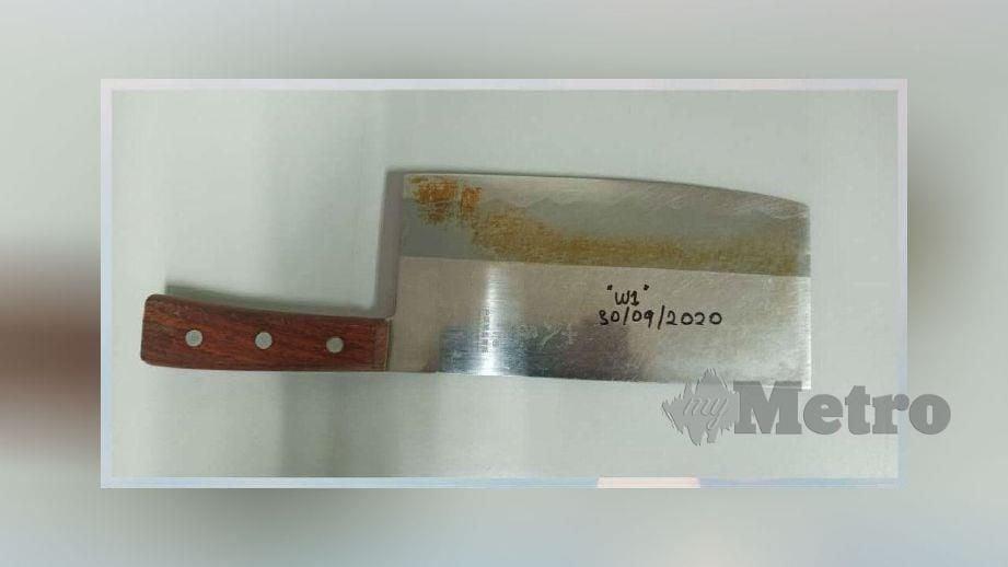 PISAU pemotong daging yang digunakan dalam pergaduhan dirampas polis. FOTO ihsan polis