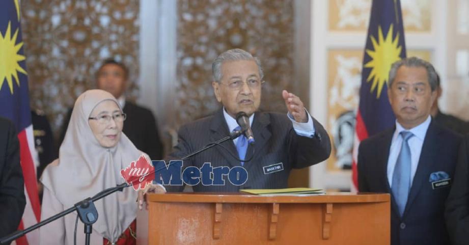 DR MAHATHIR pada sidang media, hari ini. FOTO Mohd Fadli Hamzah