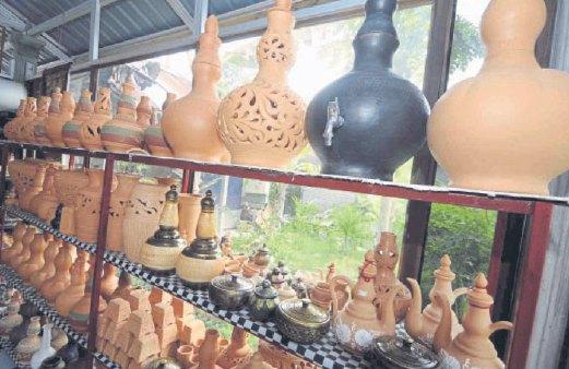PRODUK Arun Pottery yang pastinya mempunyai peminat tersendiri.
