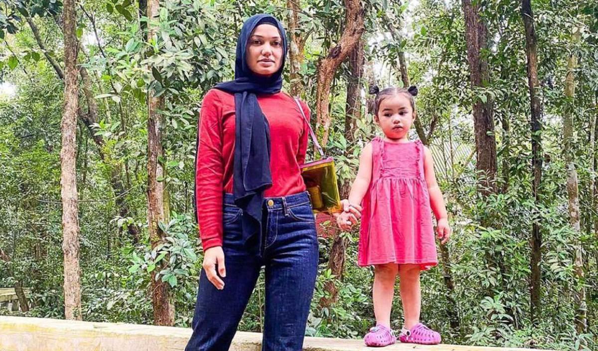 PUTERI Sarah bersama anaknya. FOTO IG Puteri Sarah