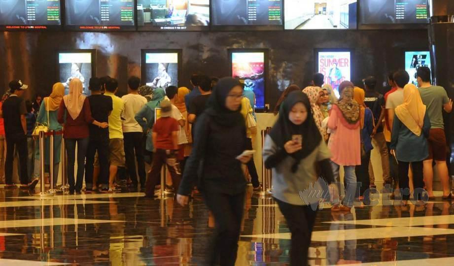 PAS Pahang akan mencadangkan kepada kerajaan negeri Pahang supaya melakukan pengasingan jantina dalam pawagam. FOTO Arkib NSTP