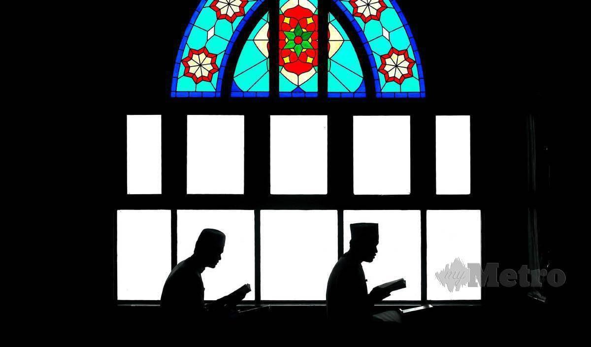 KOMUNIKASI Islam berasaskan nilai keagamaan yang bersumberkan al-Quran dan hadis. FOTO Arkib NSTP