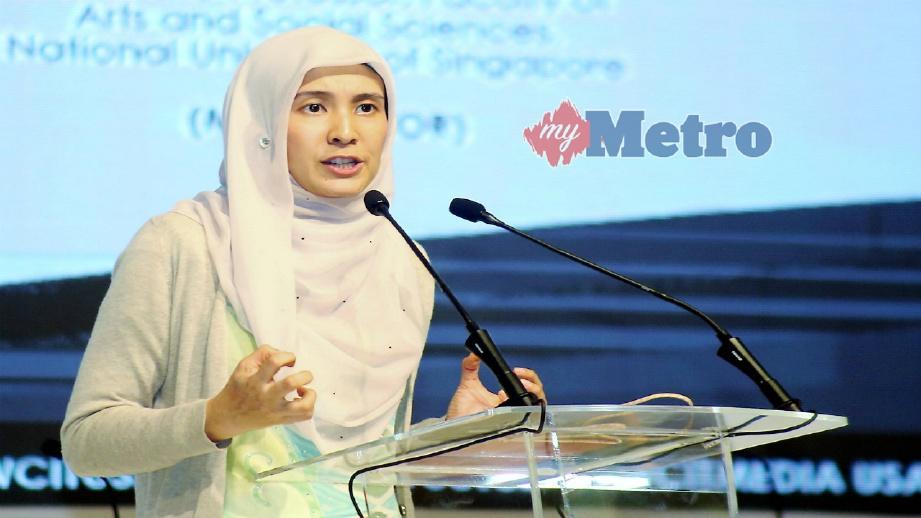 NURUL Izzah berucap ketika pembentangan kertas kerja di Persidangan Dunia Pemikiran dan Tamadun Islam (WCIT) 2018 di Ipoh, hari ini. FOTO L Manimaran