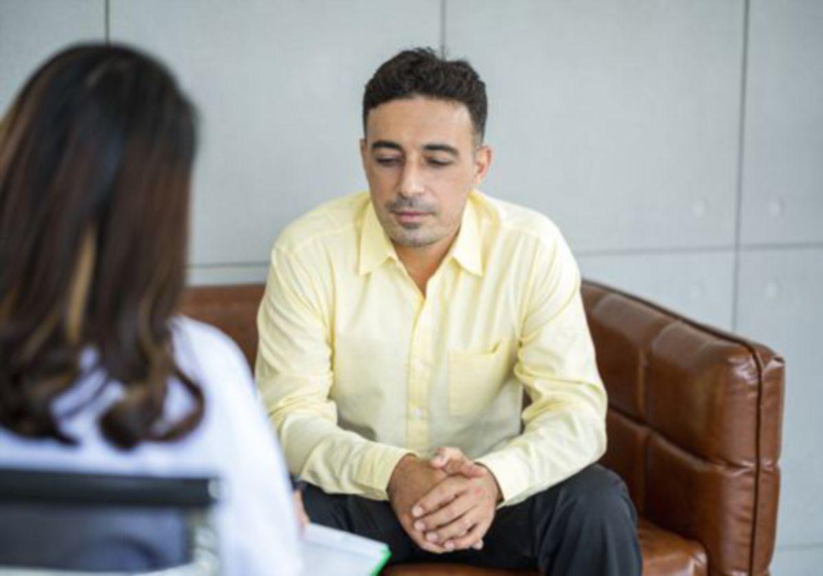 SESI kaunseling bantu rasionalkan suami dalam keadaan tertekan. - FOTO Google
