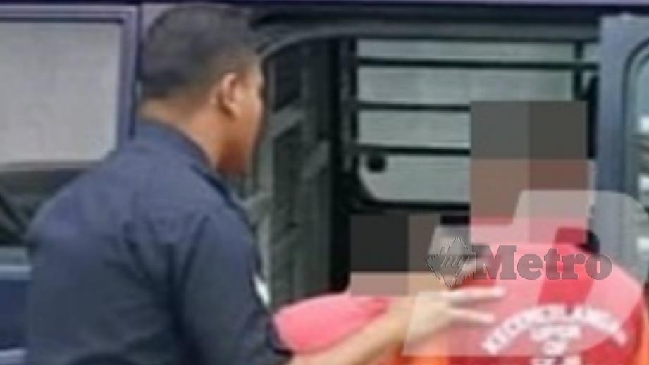 Dua remaja lelaki dihadapkan ke Mahkamah Majistret Temerloh hari ini atas pertuduhan membunuh pelajar sebuah pusat tahfiz. FOTO Bernama