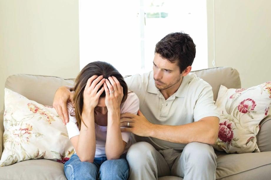 SUAMI perlu menjadi individu yang sentiasa membantu isteri dalam menangani isu kesihatan bersama. - FOTO Google