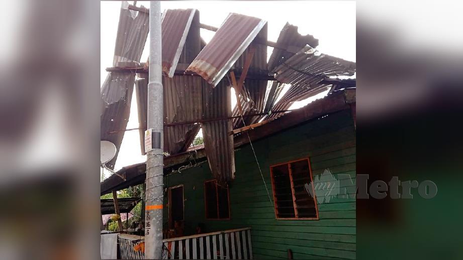 Keadaan rumah penduduk yang terjejas dalam ribut di Kampung Desa Permai, Batu Sapi. FOTO Ihsan Pembaca