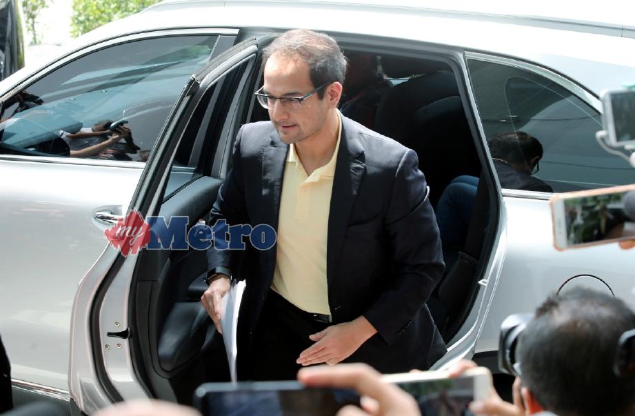RIZA ketika hadir di Ibu Pejabat SPRM Putrajaya. Abd Rahim Rahmat
