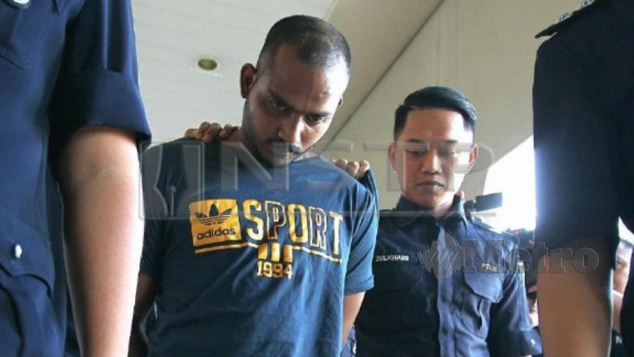 Tertuduh didakwa melakukan rompak dengan sengaja menyebabkan kecederaan terhadap mangsa. FOTO Mahzir Mat Isa