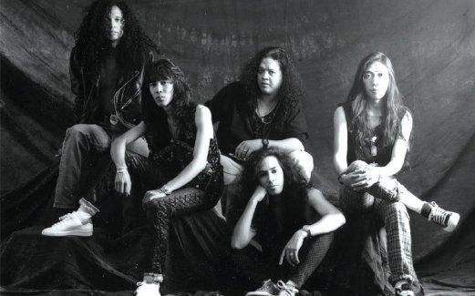 SEARCH bersama pemain bass Yan (kiri) pada awal 1990-an.