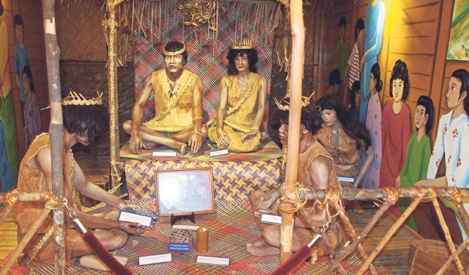 KEHIDUPAN Orang Asli boleh dilihat lebih dekat dengan mengunjungi muzium.