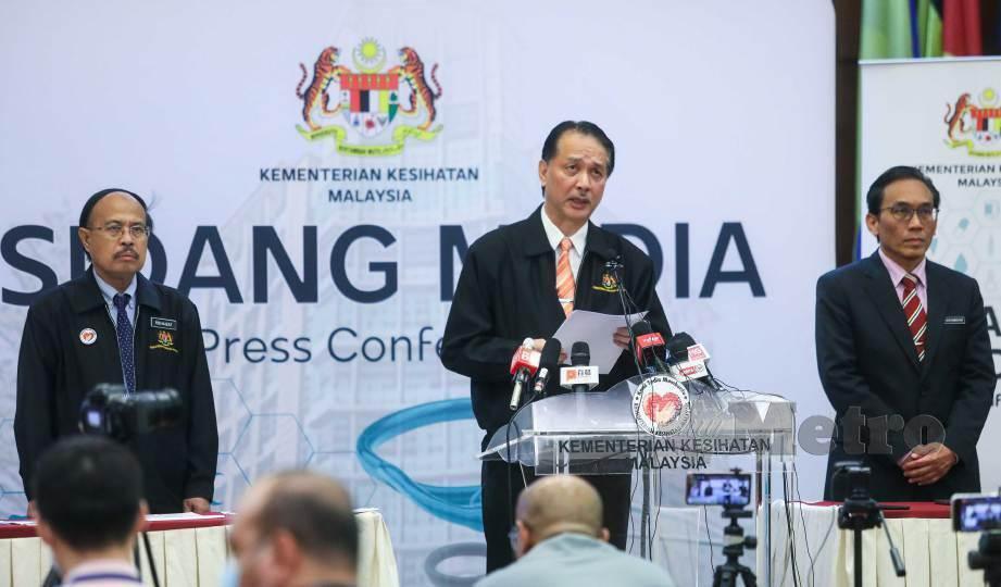 DR Noor Hisham semasa sidang media harian berkaitan jangkitan Covid-19 di Kementerian Kesihatan, Putrajaya. FOTO Luqman Hakim Zubir