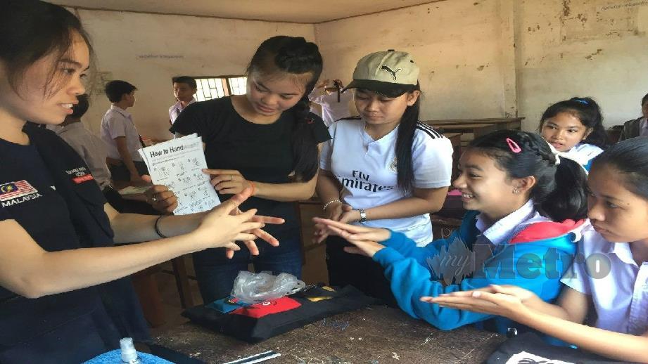 ANTARA aktiviti kesukarelawanan yang diadakan YSS di Viantiane, Laos. FOTO ihsan YSS