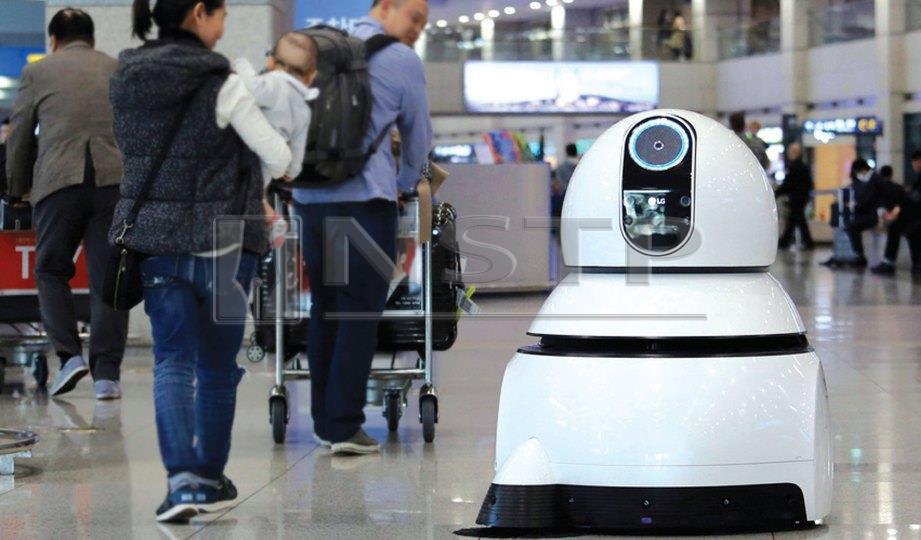 ROBOT mudahkan perjalanan pelancong sebaik tiba di lapangan terbang Incheon.