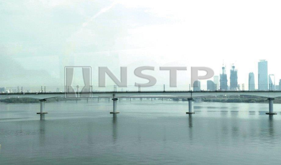 SATU daripada 31 jambatan besar merentasi Sungai Han di Seoul.
