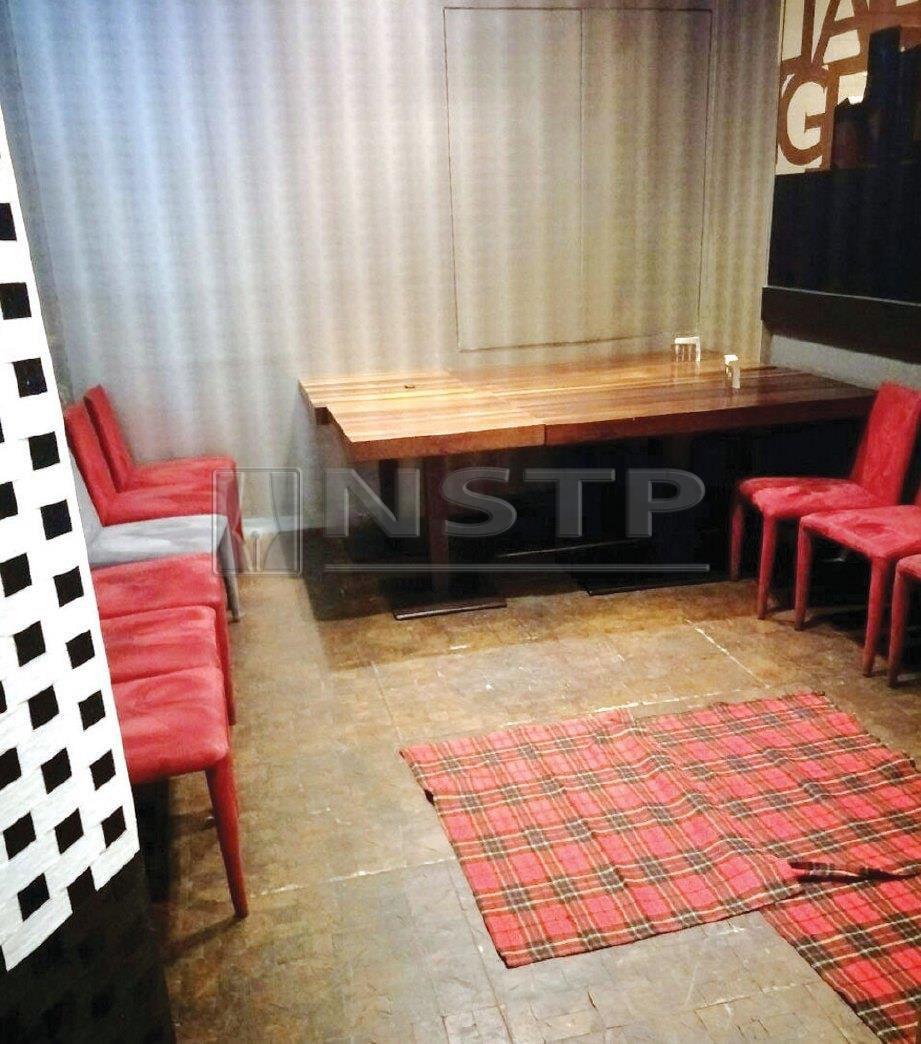 RUANG solat di sebuah restoran yang disediakan khusus untuk pelancong Muslim.