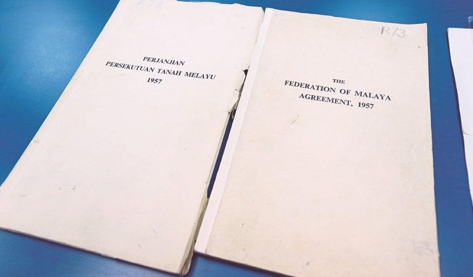 DOKUMEN Perjanjian Persekutuan Tanah Melayu 1957.