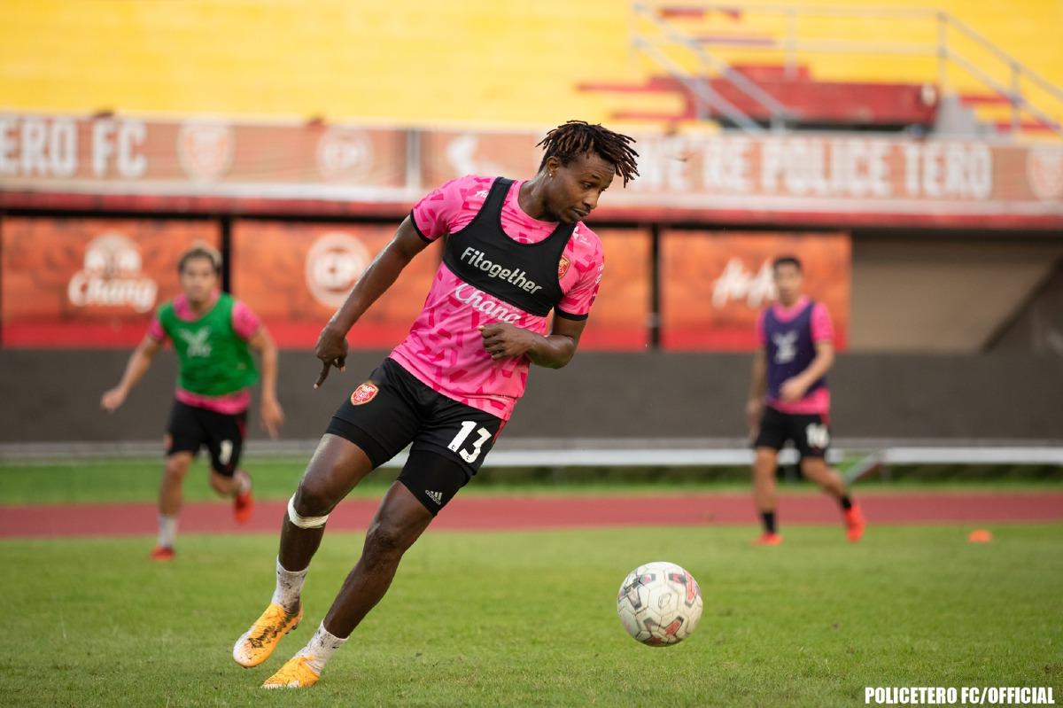 SUMAREH kini beraksi bersama Police Tero FC. FOTO FB Police Tero FC