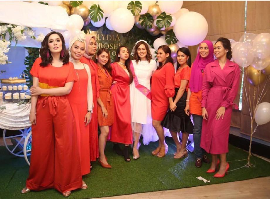 NELYDIA ketika di majlis 'bridal showe'. FOTO/NELYDIASENROSE