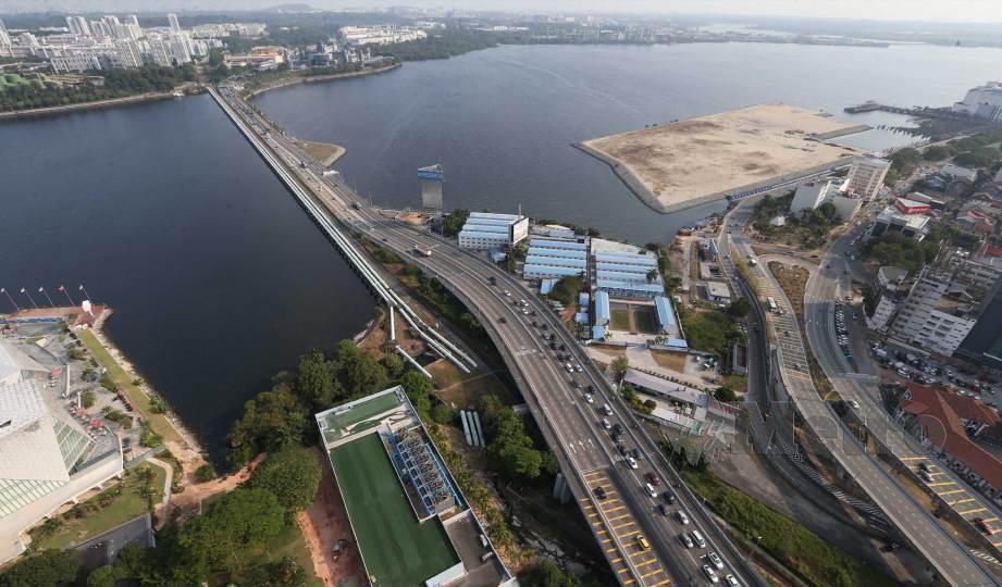 SEMPADAN Malaysia-Singapura akan dibuka semula pada 10 Ogos ini. FOTO Arkib NSTP