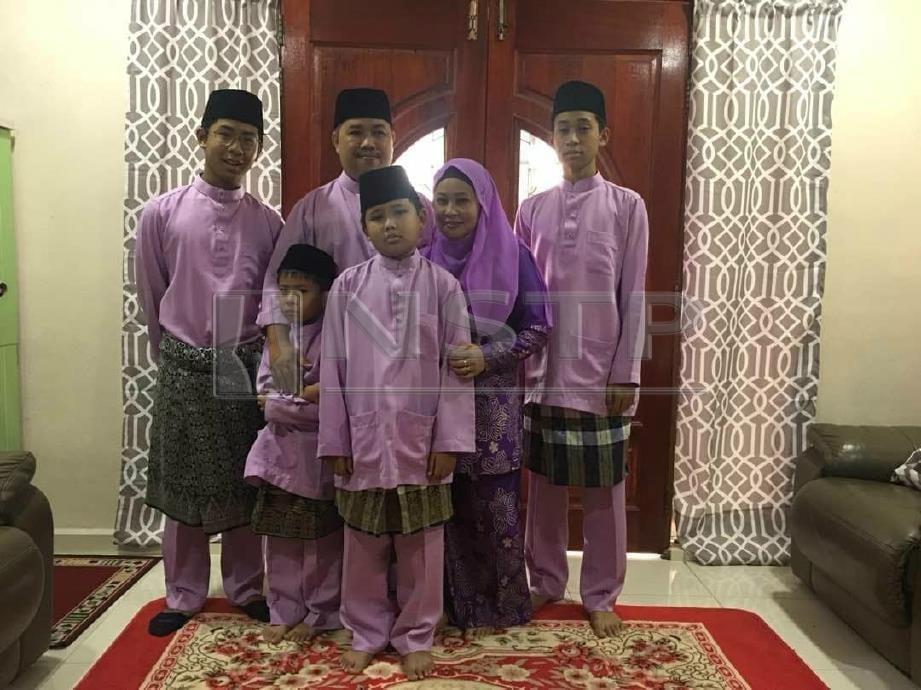 GAMBAR Mohd Nazri bersama keluarga. FOTO Ihsan Keluarga