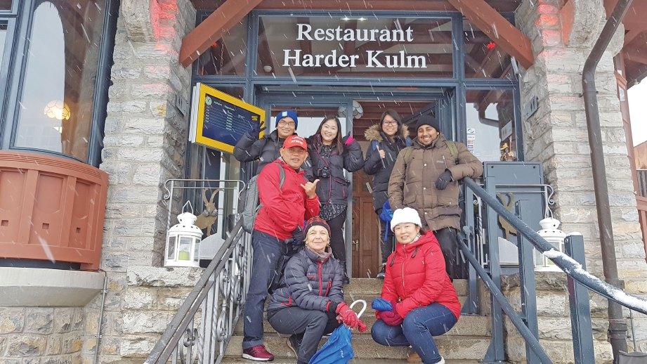 SATU-SATUNYA restoran di Harder Kulm, gunung tertinggi di bandar Interlaken.