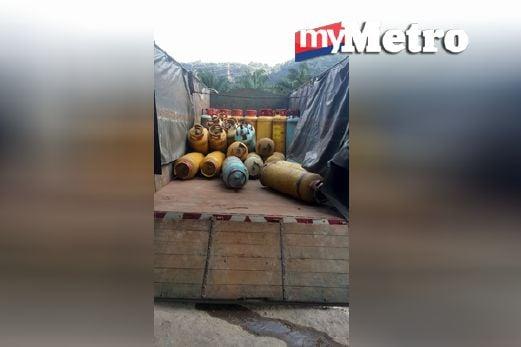 Tong gas yang dirampas. FOTO Ihsan KPDNKK Pulau Pinang