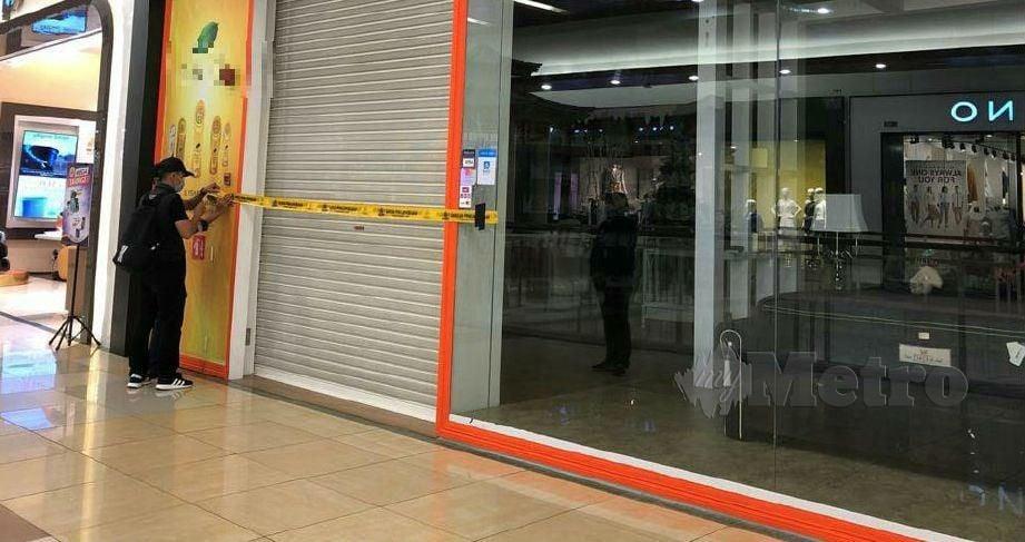 ANTARA premis perniagaan yang diarahkan ditutup sementara berikutan tidak memiliki lesen perniagaan sah. FOTO ihsan MBJB
