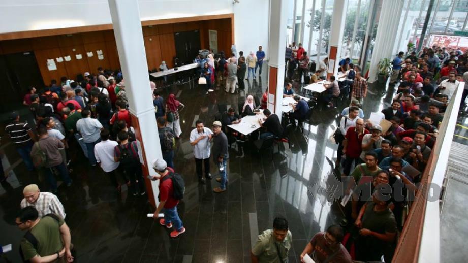Kira-kira 1,500 kakitangan Utusan Melayu hadir pada sesi town hall hari ini. FOTO Khairul Helmy Mohd Din