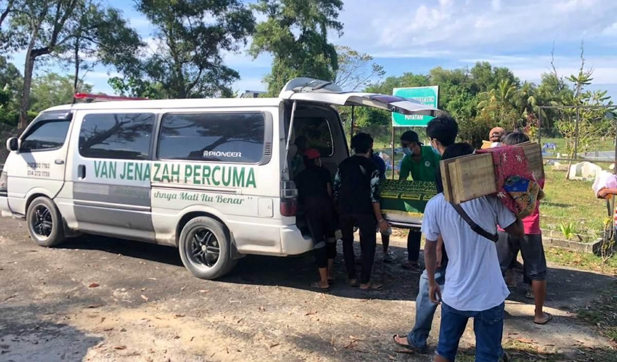 KRU Van Jenazah Percuma Kota Kinabalu membantu menghantar jenazah terus ke tanah perkuburan di seluruh Sabah. FOTO Ihsan Masrul Guding