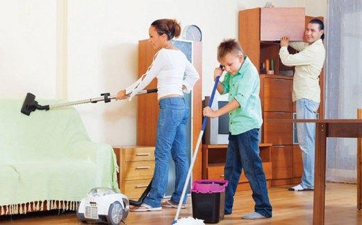 JAGA kebersihan rumah supaya penghuninya sihat.