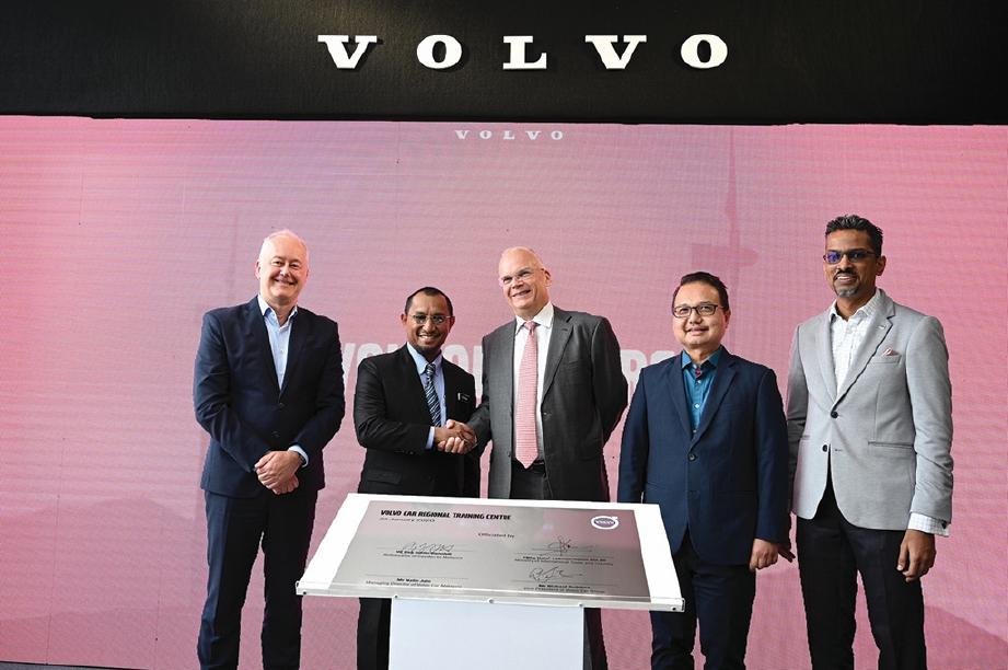 PERASMIAN Pusat Latihan Serantau Volvo Car.